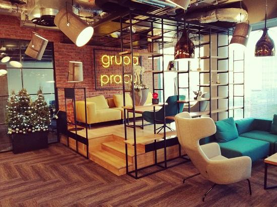 zdjęcie recepcji w biurze Grupy Pracuj