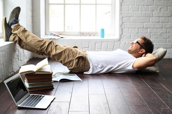 Hygge za biurkiem czyli jak byc szczesliwym w pracy